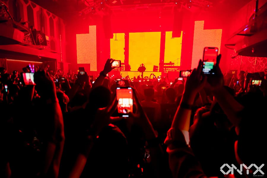 onyx club red phones