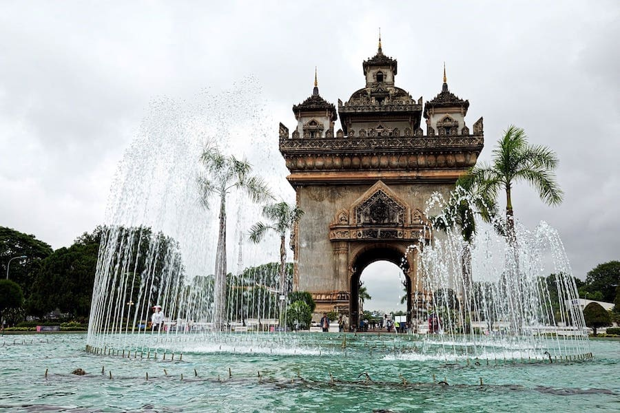 patuxai victory gate monument in vientiane