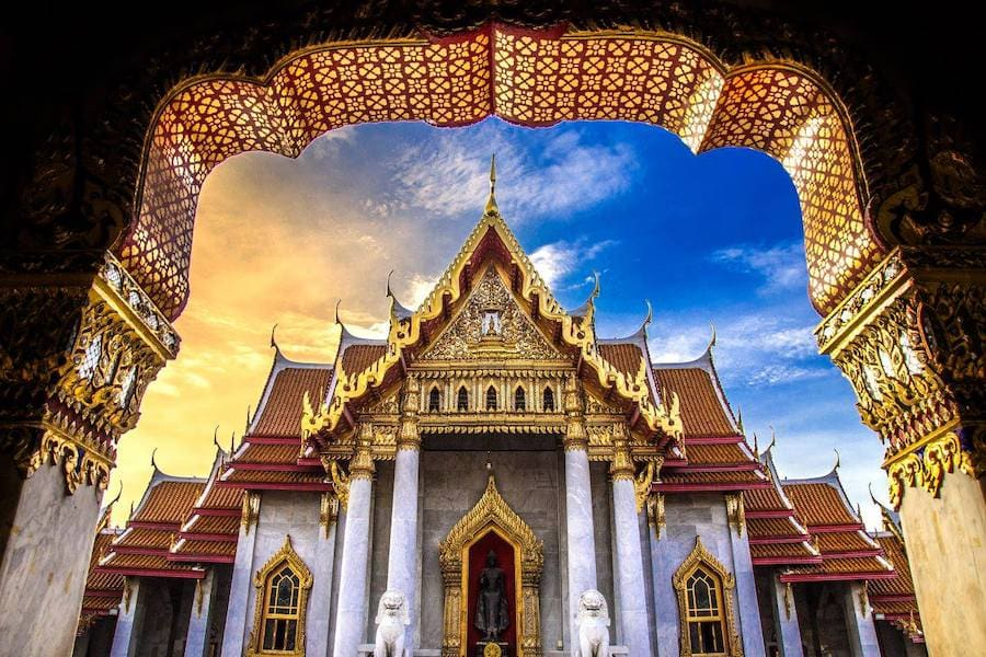 photo of grand palace in Bangkok by World Pitou