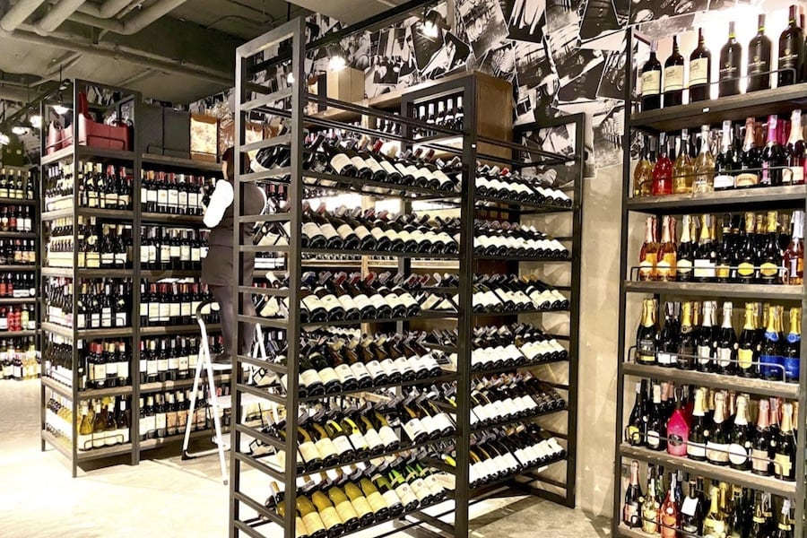 Wine shop Warp in Thonglor Bangkok